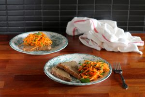 tahini_toast_carrot_salad_4