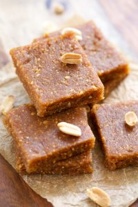 Peanut-Butter-Cookie-Energy-Bars-GI-365-8