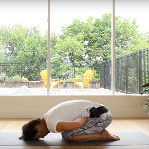 yoga-gas-and-bloating-